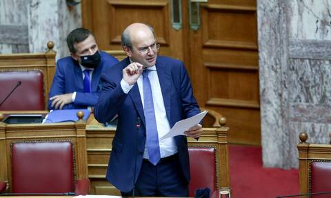 Ο υπουργός Εργασίας Κωστής Χατζηδάκης ζωντανά σήμερα Πέμπτη στο Newsbomb.gr
