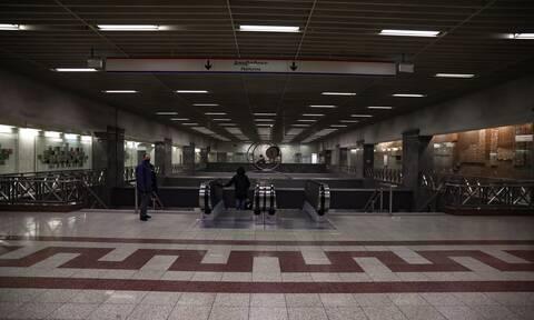 Απεργία στα ΜΜΜ: Δεν κυκλοφορούν μετρό, τραμ, ηλεκτρικός και τρόλεϊ