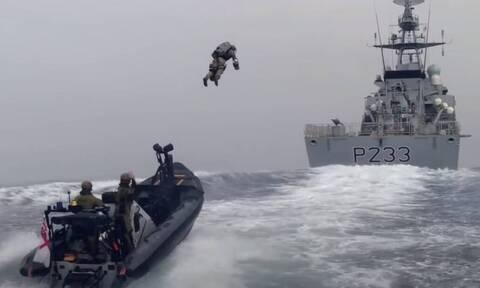 Στρατός: Δείτε εδώ τους πεζοναύτες που θα πετάνε! (pics+vid)