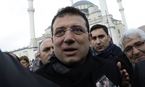 Τουρκία: Ο Ιμάμογλου «τρολάρει» την εισαγγελία και την τουρκική κυβέρνηση για το περπάτημά του