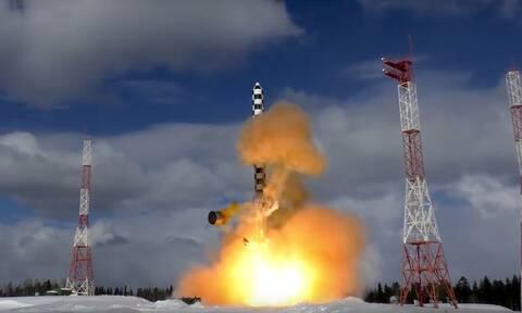 Ρωσία: Νέες δοκιμαστικές εκτοξεύσεις του προηγμένου διηπειρωτικού πυραύλου Sarmat