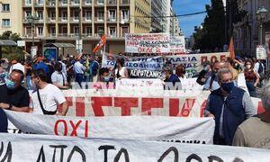 В центре Афин перекрыто движение из-за протестов