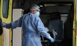 Κρούσματα σήμερα: 3.421 νέα ανακοίνωσε ο ΕΟΔΥ - 83 θάνατοι σε 24 ώρες, στους 754 οι διασωληνωμένοι