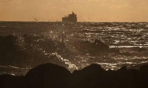 Λιβυκό στρατιωτικό σκάφος άνοιξε πυρ κατά ιταλικού αλιευτικού: Τραυματίσθηκε ο καπετάνιος του