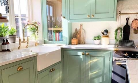 Απίθανες ιδέες για να διακοσμήσετε τη μικρή σας κουζίνα