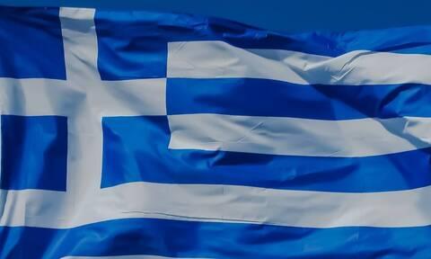 Θα υψωθεί με αερόστατο στη λίμνη Πλαστήρα η μεγαλύτερη ελληνική σημαία στον κόσμο