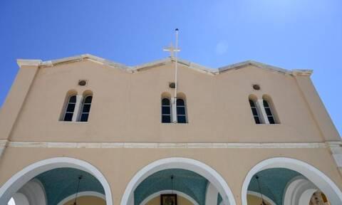 Καταγγελία Υδραίου στο Νewsbomb.gr για τη Μητρόπολη της Ύδρας και ιερέα που «πυροδοτεί» καταστάσεις