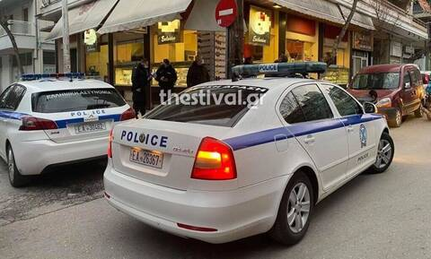 Θεσσαλονίκη: Ομάδα ατόμων ξυλοκόπησε μοτοσικλετιστή στη μέση του δρόμου