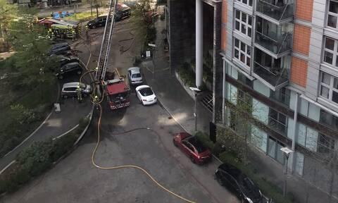 Λονδίνο: Υπό έλεγχο η μεγάλη φωτιά σε κτίριο στο Πόπλαρ
