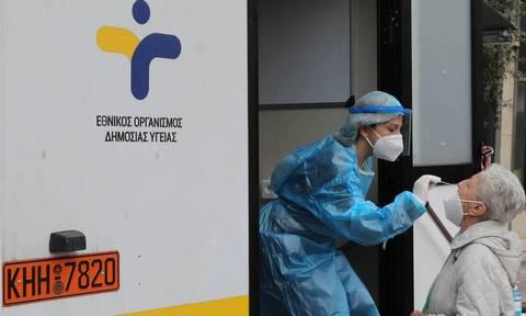 «Καμπανάκι» Βατόπουλου στο Newsbomb.gr: Υπαρκτός ο κίνδυνος για νέα μέτρα αν δεν πειθαρχήσουμε
