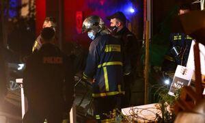 Συναγερμός στο Μεσολόγγι: Καίγονται τρία σπίτια – Έχουν απεγκλωβιστεί δύο άτομα
