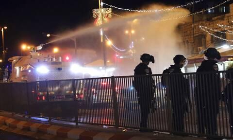 Ιερουσαλήμ: Πάνω από 180 τραυματίες στις συγκρούσεις Παλαιστινίων και ισραηλινής αστυνομίας
