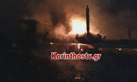 Κόρινθος: Φωτιά σε εν κινήσει νταλίκα στην παλαιά Εθνική Οδό (video)