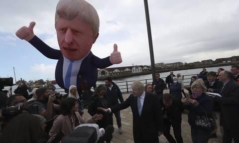 Βρετανία: Τι βγάζουν οι κάλπες της «Σούπερ Πέμπτης» - Ο πονοκέφαλος του δημοψηφίσματος στη Σκωτία