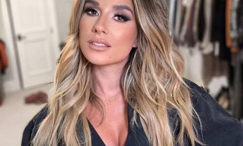 Διάσημη τραγουδίστρια μας δείχνει την τεράστια αλλαγή στην εμφάνισή της
