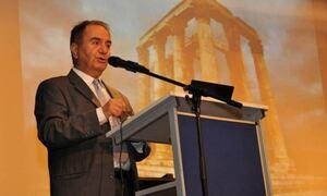Ποιος ήταν ο Θεόδωρος Κατσανέβας - Το ΠΑΣΟΚ, η οικογένεια Παπανδρέου και το συγγραφικό έργο