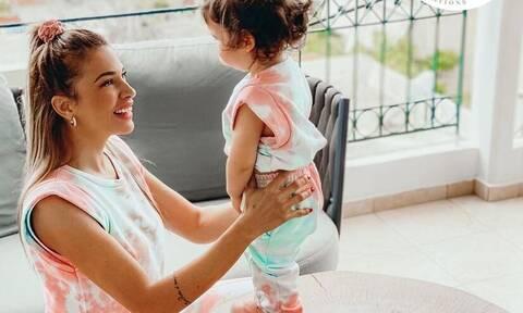 Ελένη Χατζίδου - Μελίτα Παύλου: Οι απίθανες πόζες μαμάς και κόρης