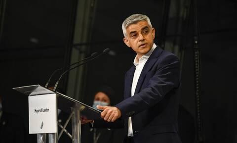 Ο Σαντίκ Καν επανεκλέχθηκε δήμαρχος του Λονδίνου