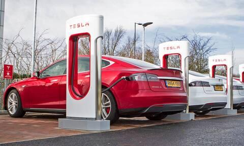 Έρευνα: Το 20% των κατόχων ηλεκτρικών αυτοκινήτων θα επέστρεφε στα συμβατικά!