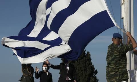 Ημέρα της Ευρώπης: Έπαρση της ελληνικής και της ευρωπαϊκής σημαίας στην Ακρόπολη
