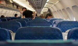 Χαμός σε πτήση από Θεσσαλονίκη προς Αθήνα: Επιβάτης παρενόχλησε αεροσυνοδούς