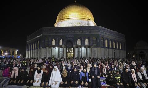 Ιερουσαλήμ: Αντιδράσεις για την επίθεση στο τέμενος Αλ Άκσα- «Στο κόκκινο» η ένταση στη Μέση Ανατολή