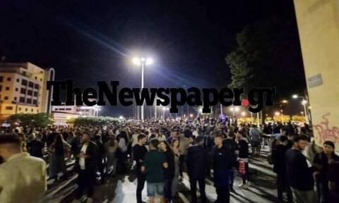 Βόλος: «Πνίγηκε» η πόλη από τον κόσμο - Κορoνοπάρτι μέχρι τα ξημερώματα σε διάφορα σημεία