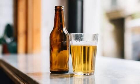 Μπύρα: Μήπως δεν πρέπει να πίνεις τον αφρό;