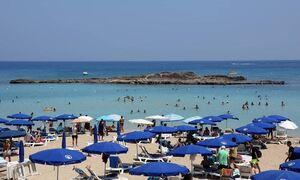 Кипр смягчил правила въезда для вакцинированных от коронавируса