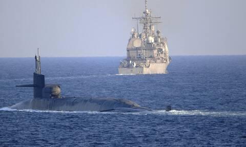 Προειδοποιητικά πυρά από αμερικανικό πλοίο κατά ιρανικών σκαφών στα Στενά του Ορμούζ