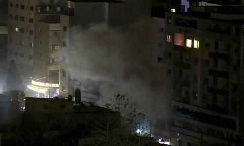 Βρετανία: Το Λονδίνο καταδικάζει την εκτόξευση ρουκετών κατά του Ισραήλ