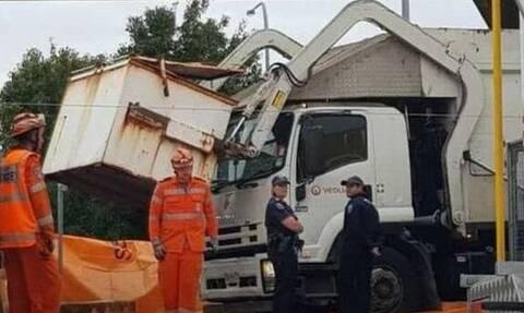 Τραγωδία στην Αυστραλία: Σκουπιδιάρικο έλιωσε 13χρονο παιδί που κοιμόταν σε κάδο
