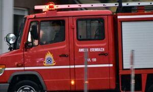 Φωτιά ΤΩΡΑ σε διαμέρισμα στην πλατεία Κολιάτσου – Απεγκλωβίστηκε ένα άτομο