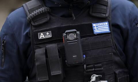 Σκοτώθηκε αστυνομικός που υπηρετούσε σε φρουρά στελέχους της κυβέρνησης– Έπεσε από τον 5ο όροφο