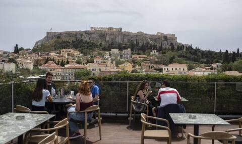 Νέες «ανάσες» ελευθερίας: Κατάργηση των SMS, άνοιγμα διαπεριφερειακών – Το σχέδιο για τον τουρισμό