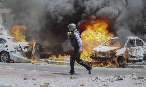 Στα όρια η σύγκρουση Ισραήλ- Χαμάς: Συνεχίζεται η σφοδρή ανταλλαγή πληγμάτων, δεκάδες οι νεκροί