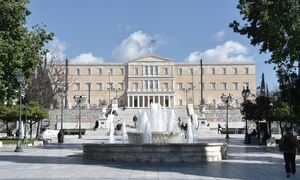 Κρούσματα σήμερα: Παραμένει στο «κόκκινο» η Αττική με 1.063 – Τριψήφιος αριθμός στη Θεσσαλονίκη
