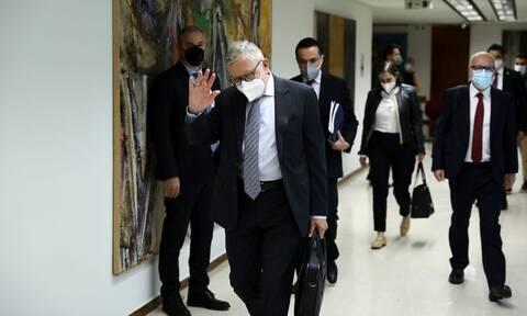 Ταμείο Ανάκαμψης: O Klaus Regling, το «ναι μεν αλλά» και το «θα δούμε»