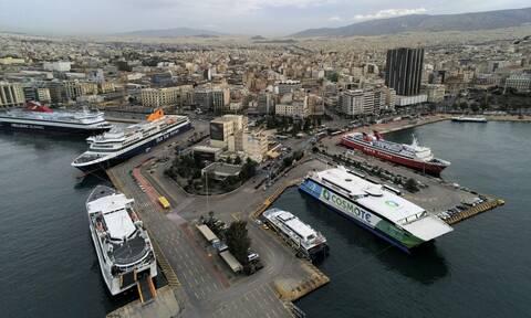 Άρση μέτρων: Πώς θα ταξιδέψουμε σε νησιά και στην υπόλοιπη Ελλάδα - Το «Green Pass» που απαιτείται