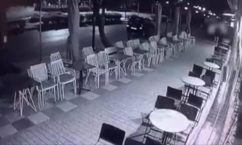 Θεσσαλονίκη: Άφησε το κινητό του στο τραπέζι για να παραγγείλει και του το άρπαξε περαστικός
