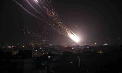 Τύμπανα πολέμου στη Μέση Ανατολή - Σχεδόν 1.500 ρουκέτες εκτοξεύθηκαν από τη Λωρίδα της Γάζας