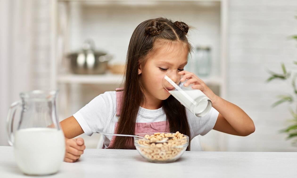 Πρέπει να πίνουν γάλα τα παιδιά ή όχι; Αν ναι, ποιο είναι το καλύτερο;