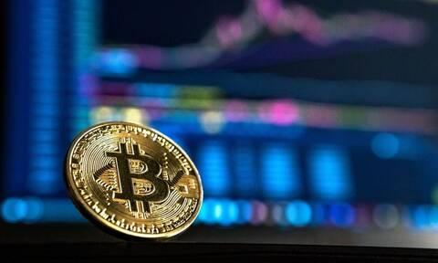 Στα 51.291,45 δολάρια βυθίζεται το Bitcoin μετά από tweet του Elon Musk