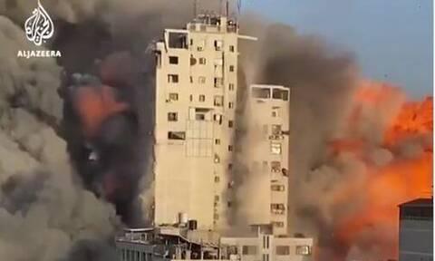 Γάζα: Συγκλονιστικό βίντεο - Η στιγμή που καταρρέει κτήριο 14 ορόφων μετά από βομβαρδισμό