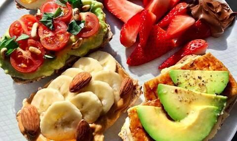 Εννέα προτάσεις για υγιεινό πρωινό με λίγες θερμίδες