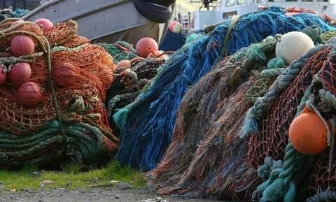 «Ανάσα» για το θαλάσσιο περιβάλλον: Απαγορεύεται το ψάρεμα με μηχανότρατες για 4 μήνες