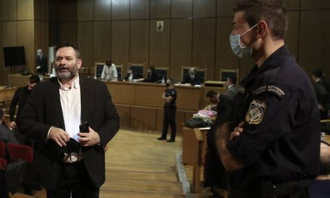 Γιάννης Λαγός: Ο χρυσαυγίτης με τη μεγαλύτερη ποινή παίρνει το δρόμο για τη φυλακή