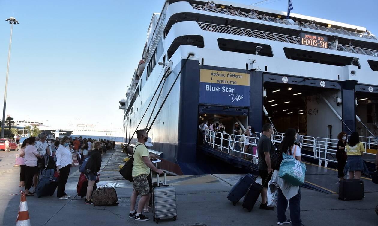 Αρση lockdown - Ανοίγει ο τουρισμός: Τα έγγραφα που απαιτούνται για τα ταξίδια