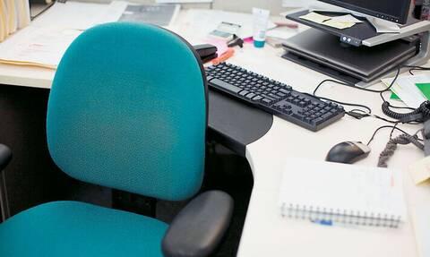 Πότε μπορώ να λείψω από τη δουλειά μου; Οι 16 διαφορετικές άδειες – Τι αλλάζει με τo νέο εργασιακό