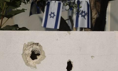 Γάζα: Ξεπέρασαν τους 100 οι νεκροί άμαχοι – Στο κενό οι προσπάθειες αποκλιμάκωσης